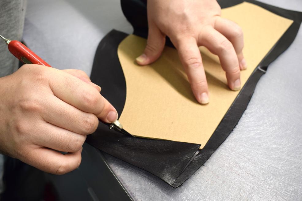 hand-cut leather in venice - Artisan Handicraft in riviera del brenta